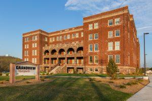 Grandview-Exterior-in-Spring-